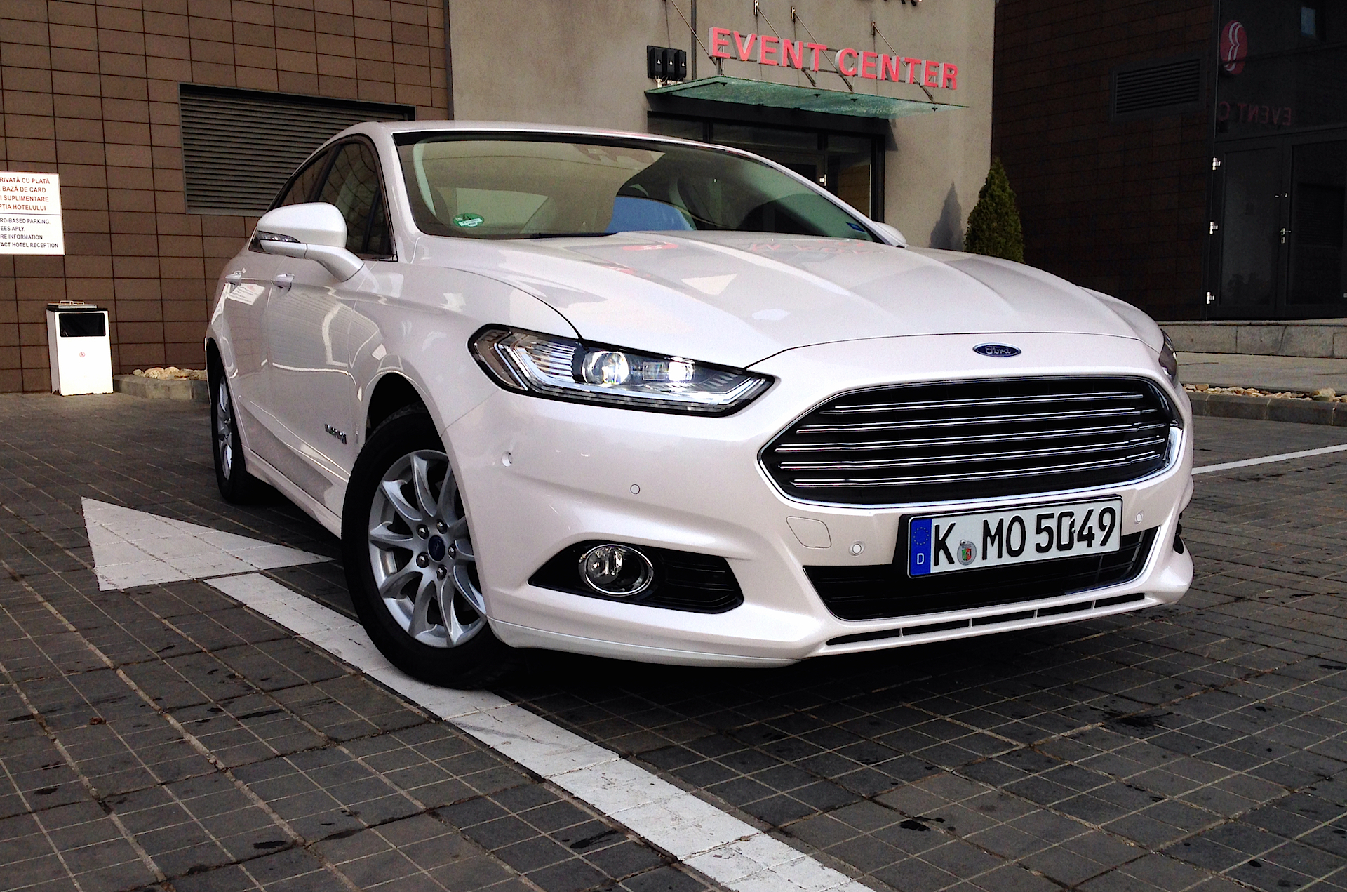 Ford Mondeo Hybrid Acceleration