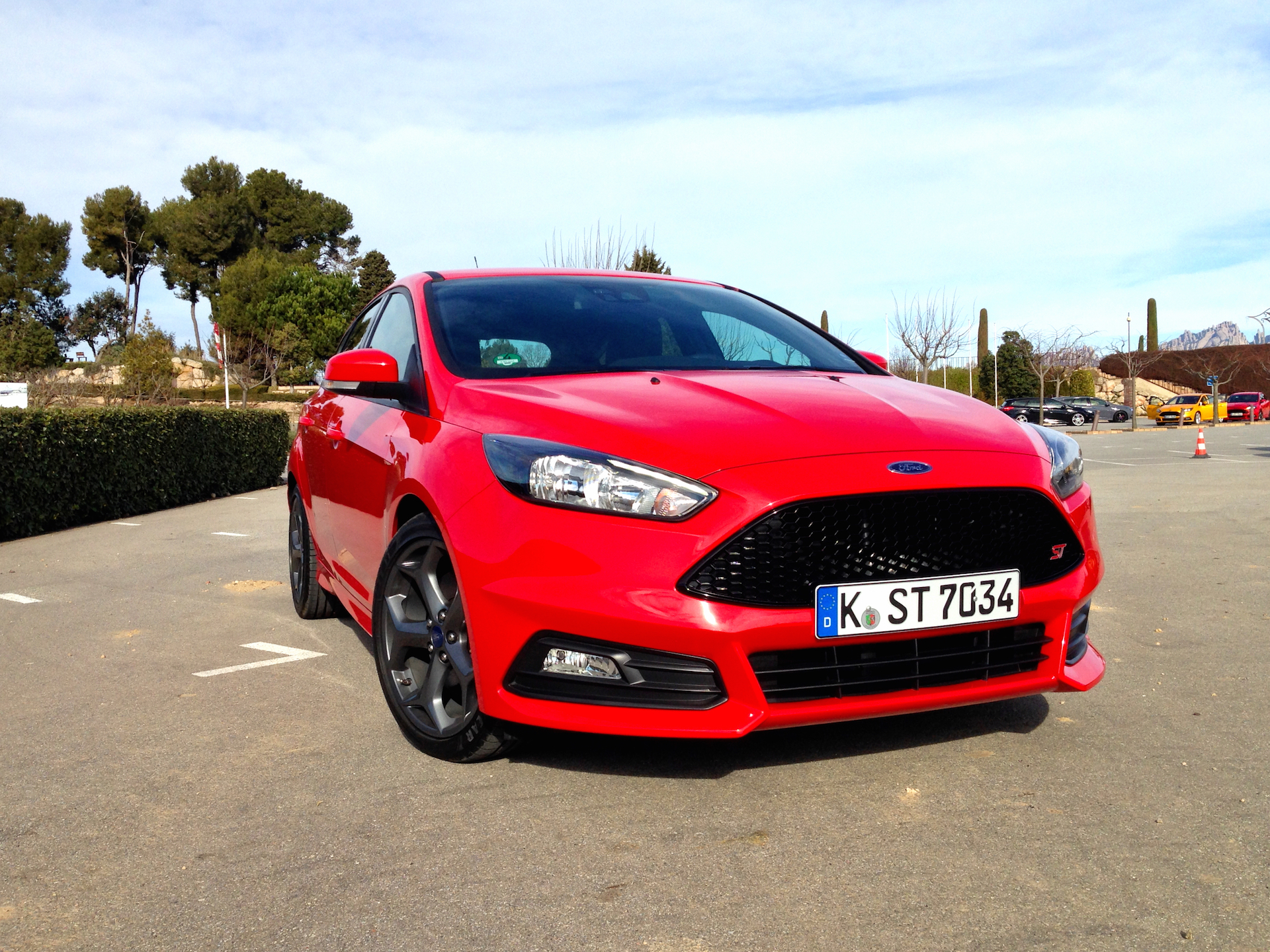 ford focus st diesel acceleration throttlechannelcom - 2014 Ford Focus St Red