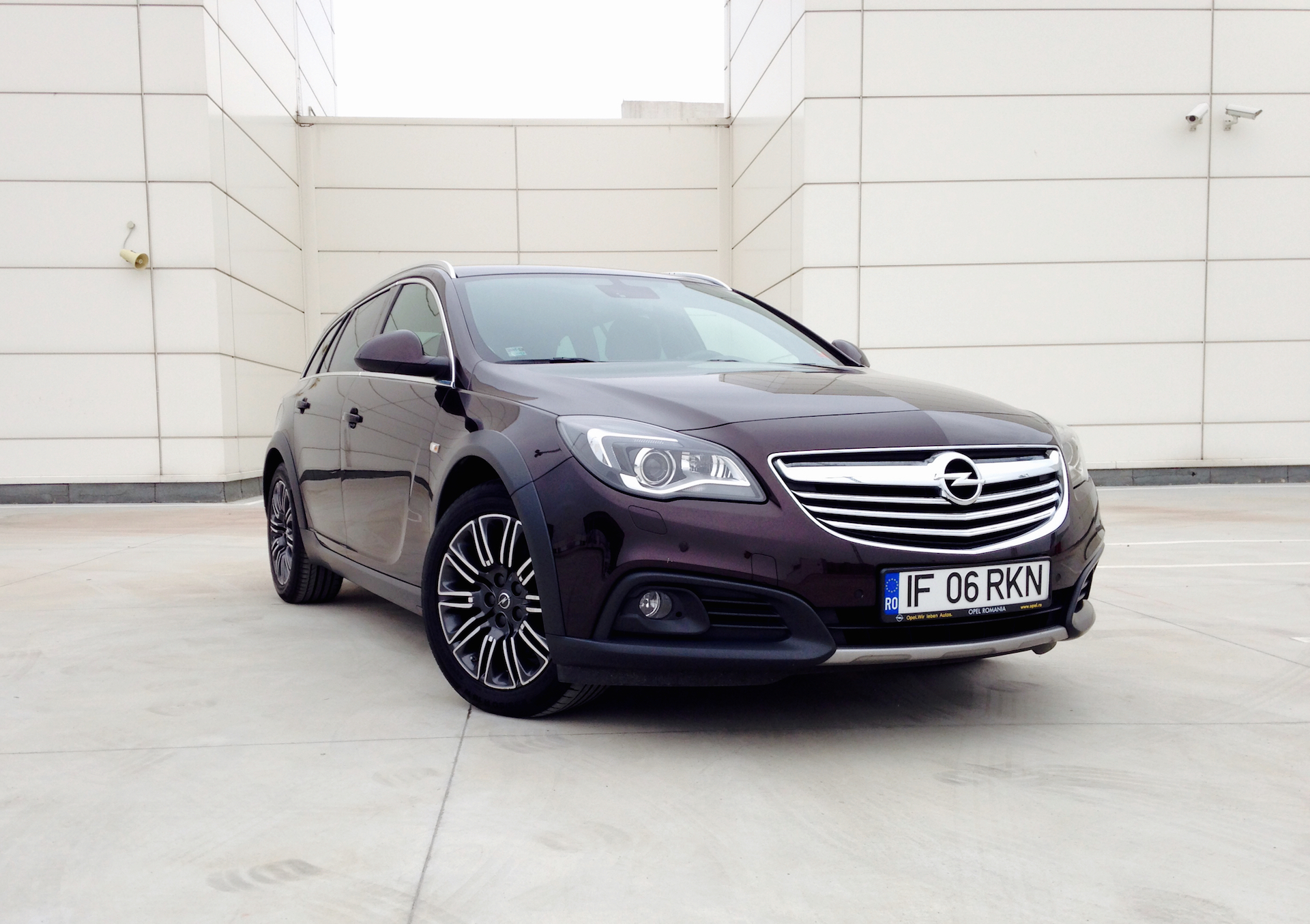 opel insignia country tourer acceleration. Black Bedroom Furniture Sets. Home Design Ideas
