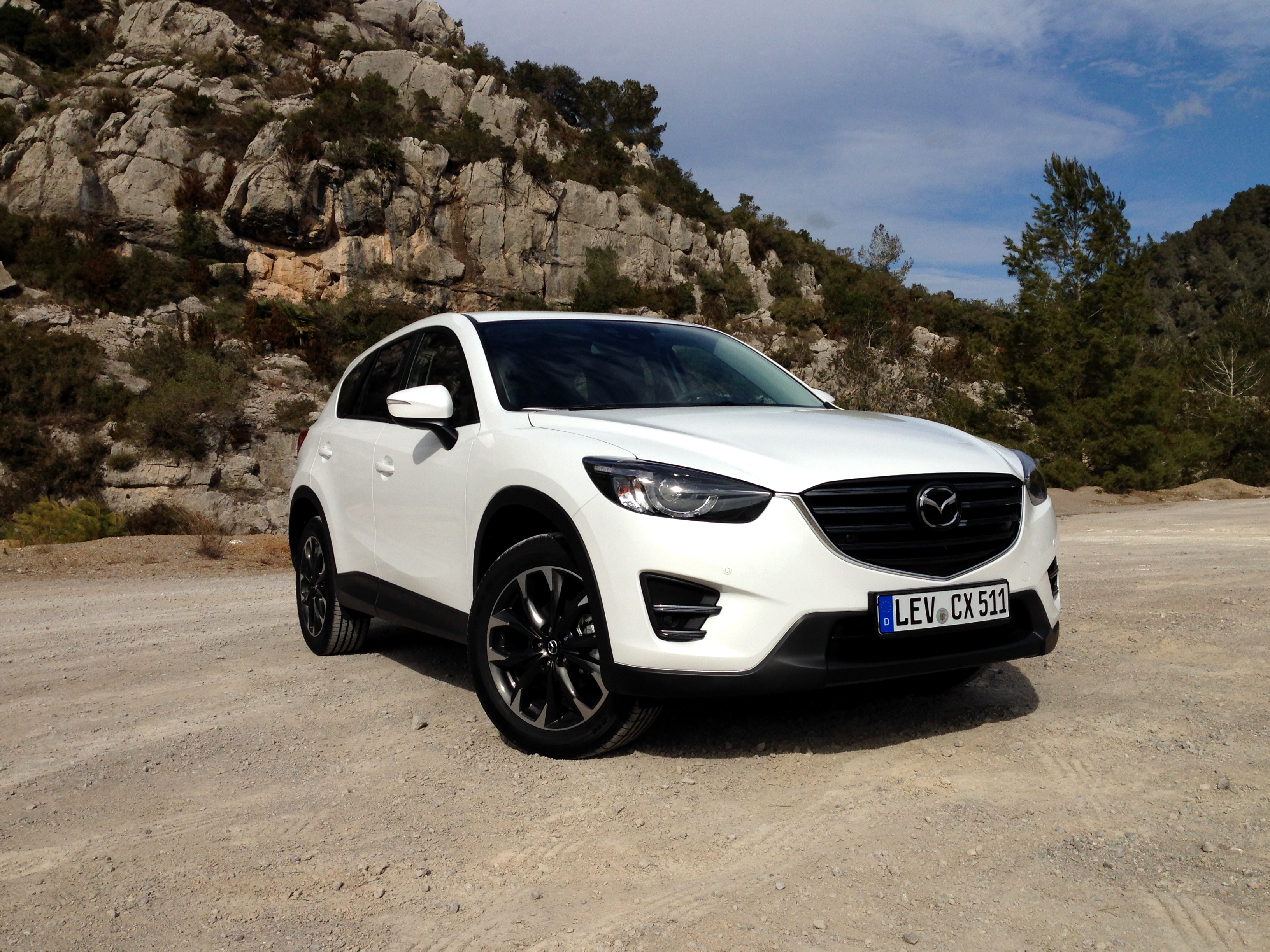 http://throttlechannel.com/wp-content/uploads/2015/03/Mazda-CX-5-2.5-SKIACTIV-G-source-ThrottleChannel.com-25.jpg