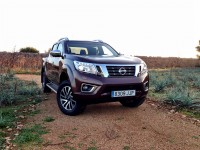 Nissan NP300 Navara 2.3 dCi 190 AT (2015)