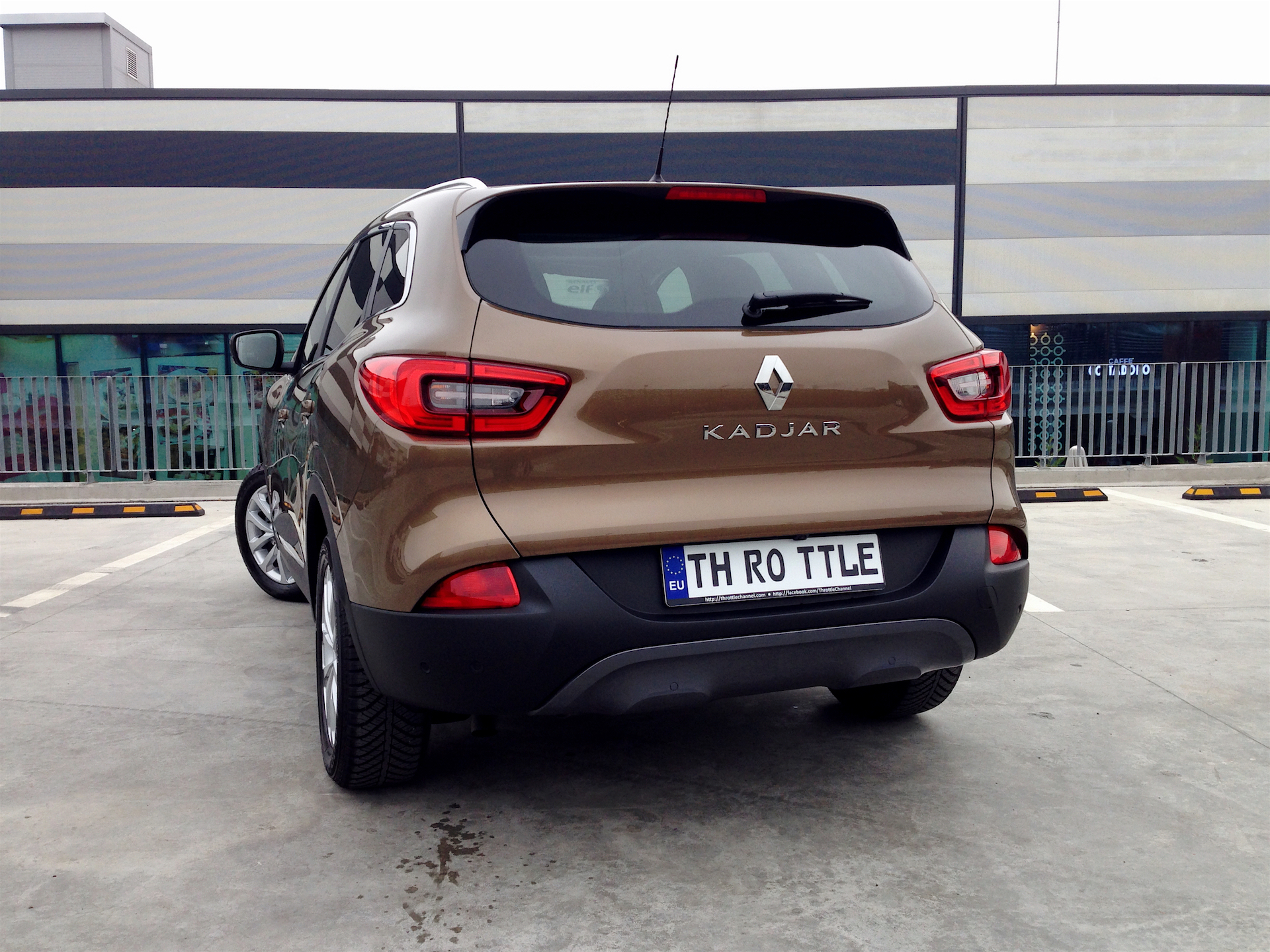 renault kadjar tce 130 edc acceleration. Black Bedroom Furniture Sets. Home Design Ideas