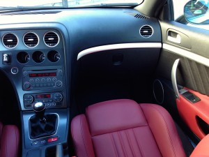 Alfa Romeo Brera 2.2 JTS (source - ThrottleChannel.com) 23