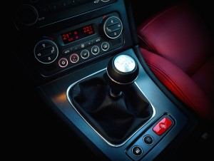 Alfa Romeo Brera 2.2 JTS (source - ThrottleChannel.com) 25