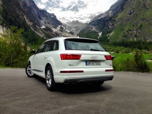 Audi Q7 3.0 TDI quattro (source - ThrottleChannel.com) 09