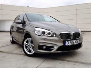 BMW 225i Active Tourer (source - ThrottleChannel.com) 02