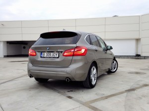 BMW 225i Active Tourer (source - ThrottleChannel.com) 10