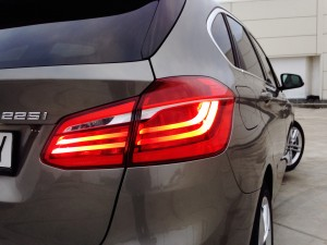 BMW 225i Active Tourer (source - ThrottleChannel.com) 12