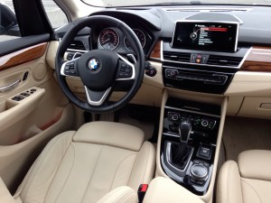 BMW 225i Active Tourer (source - ThrottleChannel.com) 17