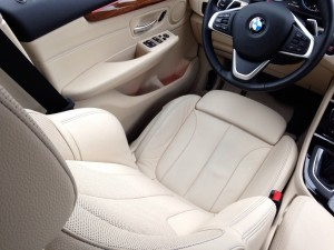 BMW 225i Active Tourer (source - ThrottleChannel.com) 20