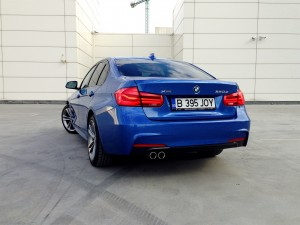 BMW 320d xDrive Sedan (source - ThrottleChannel.com) 05