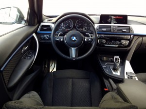 BMW 320d xDrive Sedan (source - ThrottleChannel.com) 15