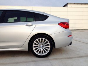 BMW 530d xDrive Gran Turismo (source - ThrottleChannel.com) 35