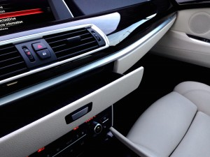 BMW 530d xDrive Gran Turismo (source - ThrottleChannel.com) 54