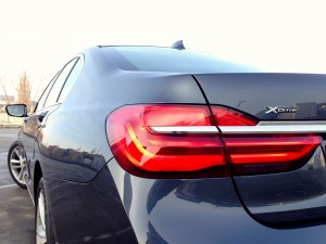 BMW 730d xDrive (source - ThrottleChannel.com) 05