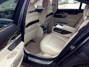 BMW 730d xDrive (source - ThrottleChannel.com) 15
