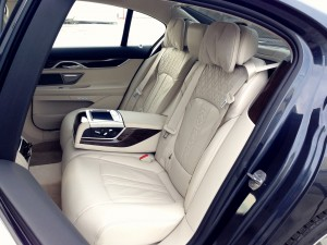 BMW 730d xDrive (source - ThrottleChannel.com) 17