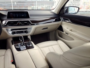 BMW 730d xDrive (source - ThrottleChannel.com) 20