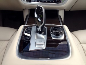 BMW 730d xDrive (source - ThrottleChannel.com) 21