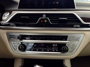 BMW 730d xDrive (source - ThrottleChannel.com) 22