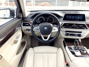 BMW 730d xDrive (source - ThrottleChannel.com) 23