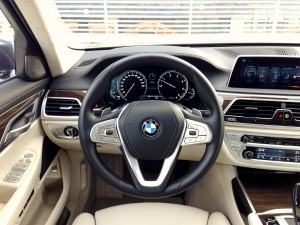 BMW 730d xDrive (source - ThrottleChannel.com) 24