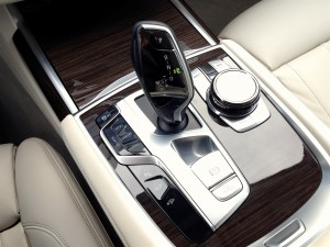 BMW 730d xDrive (source - ThrottleChannel.com) 27
