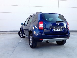 dacia duster 1 2 tce acceleration. Black Bedroom Furniture Sets. Home Design Ideas