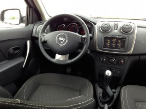 Dacia Logan MCV 1.5 dCi (source - ThrottleChannel.com) 004