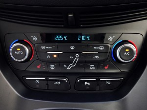 Ford C-MAX 2.0 TDCi 150 PowerShift (source - ThrottleChannel.com) 24