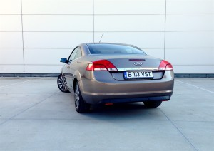 Ford Focus CC 2.0 TDCi (source - ThrottleChannel.com) 10