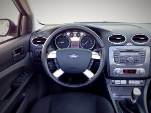 Ford Focus CC 2.0 TDCi (source - ThrottleChannel.com) 32