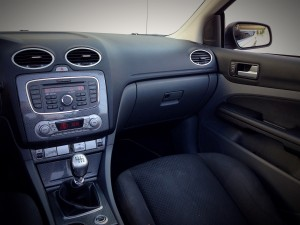 Ford Focus CC 2.0 TDCi (source - ThrottleChannel.com) 33