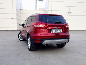 Ford Kuga 2.0 TDCi (source - ThrottleChannel.com) 09a