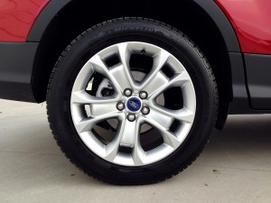 Ford Kuga 2.0 TDCi (source - ThrottleChannel.com) 10