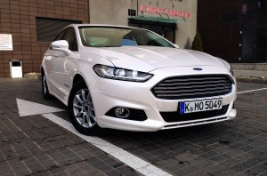 Ford Mondeo Hybrid (source - ThrottleChannel.com) 01