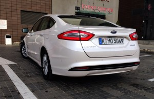 Ford Mondeo Hybrid (source - ThrottleChannel.com) 02
