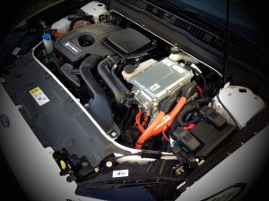 Ford Mondeo Hybrid (source - ThrottleChannel.com) 08