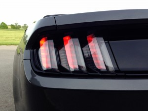 Ford Mustang Convertible 2.3 EcoBoost (source - ThrottleChannel.com) 18