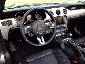 Ford Mustang Convertible 2.3 EcoBoost (source - ThrottleChannel.com) 22