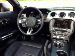 Ford Mustang Convertible 2.3 EcoBoost (source - ThrottleChannel.com) 23