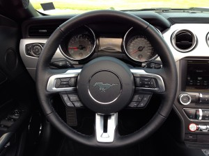 Ford Mustang Convertible 2.3 EcoBoost (source - ThrottleChannel.com) 25