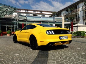 Ford Mustang Fastback GT 5.0 V8 (source - ThrottleChannel.com) 04