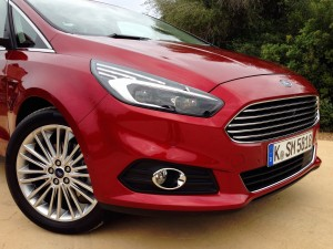Ford S-MAX 2.0 TDCi (source - ThrottleChannel.com) 08