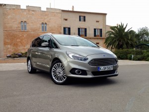 Ford S-MAX 2.0 EcoBoost (source - ThrottleChannel.com) 02