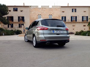 Ford S-MAX 2.0 EcoBoost (source - ThrottleChannel.com) 07