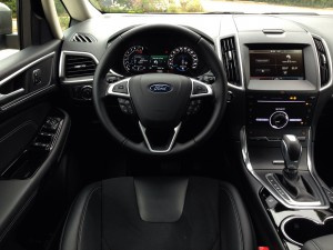 Ford S-MAX 2.0 EcoBoost (source - ThrottleChannel.com) 18