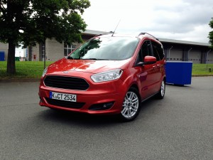 Ford Tourneo Courier (source - ThrottleChannel.com) 001