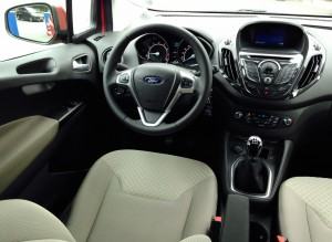 Ford Tourneo Courier (source - ThrottleChannel.com) 005