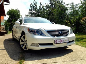 Lexus LS 600h L (source - ThrottleChannel.com) 01
